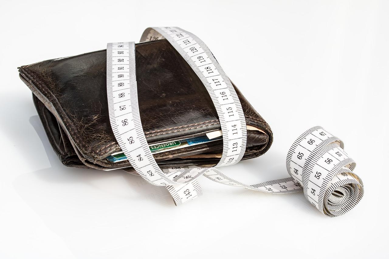 wallet, tape measure, economical